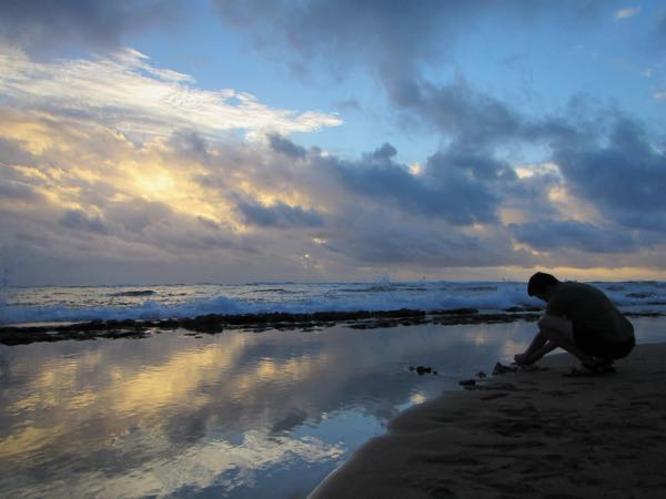 Bugman taking a picture at dawn on Waipouli Beach, in a protected area that yielded some marine critter finds.
