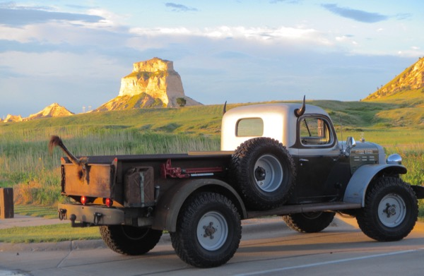 There was also this interesting addition to the backdrop of the bluffs. I thought the truck was destined for the OTD parade later that morning, but I didn't see it. I guess this is just someone's car???
