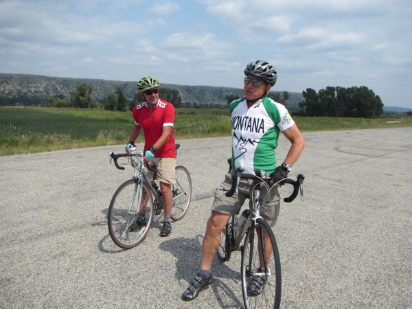 "At one informal stop at a roadside pulloff, we were greeted by a couple of local cyclists, representing the self-proclaimed ""Montana bike mafia"" (one of them was born in Canada, the other in Wisconsin). :-D  They gave us a heads up that a church group in Absarokee was proffering pie and ice cream. Pie and ice cream?? Let's get a move on!"