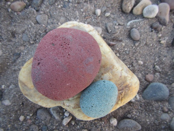 47 colorful rocks