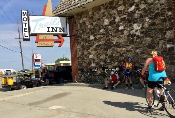 trail's inn SAG